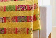 Modern Quilts / Tutorials to make modern-style quilts.