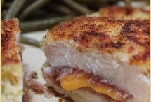 Cuisine / J'aime cuisiner et essayer de nouvelles recettes dans mon temps libre. J'adore cuire des desserts, les collations rapides, et même les grands repas pour toute la famille à apprécier! Un de mes recette préférée est mon poulet cordon bleu. Il est délicieux!