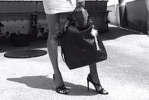 LIEB JU Emotion bags / Ausgefallene Eleganz - diese Lieb Ju macht Dich zum absoluten Blickfang. Die Emotion Linie von Lieb Ju - edel und feminin. Der Name ist Programm. Taschen, Trend, Leder  #liebju #bag #designerbag #emotion #iphone #iphonebag #design #luxury