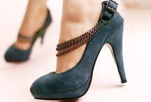 Shoes / by Clara Varjavandi