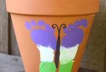 Mother's Day Projects / Free or inexpensive craft projects to do with you children for Mother's day.