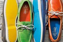 CALÇADOS MASCULINOS / Há uma grande variedade de calçados, que são classificados por sua utilização e formato.