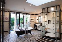Salles de bains blanches noires