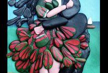 cuori di pietra / hearts of stone / soggetti realizzati su base di legno, mediante assemblaggio di sassi dipinti - subjects realized on the basis of wood, by assembling painted stones