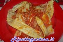 Primi piatti ripieni - ricette facili / Tante ricette di primi piatti ripieni facili e gustosi. http://www.ricettegustose.it/Primi_ripieni_index.html