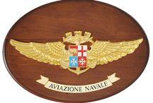 Aviazione Navale - linea Forze Operative Marina Militare  / E' la linea di Gadget Ufficiali dedicati alla Forza Operativa Aviazione Navale della Marina Militare Italiana. Potete trovarla sui nostro store: http://www.giemmestore.com/it/aviazione-navale/511/1/
