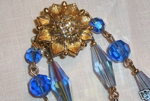 Art Deco Blue Glass Necklace with Bracelet and Earrings. Mint.