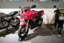 流石にミュージアムなので知らなかった格好良いオートバイが多い。とってもスズキっぽいですが。 It's Yamaha FZ400. #motorcycle #yamaha #fz400 #バイクの日写真