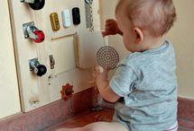 Attività per il bebè in crescita / Idee per far giocare il bebè con cose facilmente reperibili
