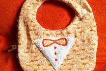 Bavoirs, tabliers bébé / Créations originales pour les petits. Réalisation artisanale avec tendresse et passion