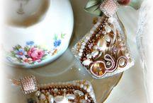 Earrings... / orecchini seta e soutache https://www.facebook.com/pages/Roxies-Creations/1425843984294757