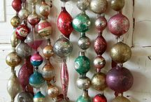 Holidays - Christmas Vintage Decor / by Marie Fox