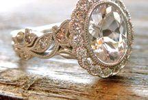 wedding/engagement ring