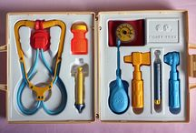 Unforgettable Vintage Toys / by Adriana Uzcategui