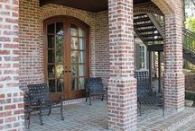 Outdoor Patios / With brick, you can infuse your outdoor patio with your personal style.