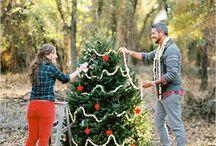 Τα πρώτα σας Χριστούγεννα μαζί! / Είναι τα πρώτα Χριστούγεννα που γιορτάζετε ως παντρεμένοι; Ενδεχομένως να θέλετε να θυμάστε αυτές τις στιγμές ή ακόμη και να τις μοιραστείτε με τους αγαπημένους σας; Το Lovetale.gr σας προτείνει μερικά από τα πλάνα που δεν πρέπει να χάσετε! Μπορείτε να τις συμπεριλάβετε σε γιορτινές ευχετήριες κάρτες!