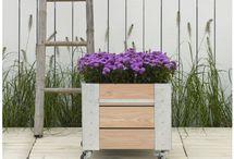 Fahrbare Blumenkästen CUBIC aus Lärchenholz / CUBIC Blumenkästen aus Lärchenholz, fahrbar auf Rollen für Garten, Balkon oder Terrasse