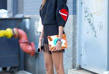 Fashion Week Street Style / New York Fashion Week Milan Fashion Week Paris Fashion Week  London Fashion Week  We are there and we bring the street style directly to you. Here you can see what influencers and celebrities wore when visiting the biggest fashion weeks in the world.