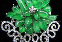 Jade Jewelry & Objects / Jade