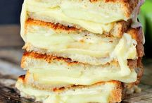 Grilled Cheese Sammies / by Robin Fowler