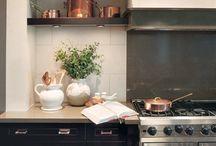 Kitchens / by Bronz Mom