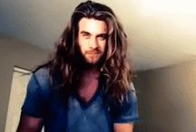 Cute men with long hair/ man bun / I have a weekness for men with long hair and beards.