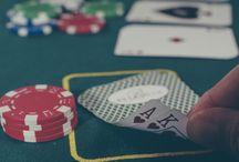 Stratégie poker / Découvrez tous les conseils pour apprendre le poker. Les fondamentaux pour débutants et les stratégies pour joueurs avancés. Quelles sont les règles du poker? Combien d'argent faut-il pour jouer? Quelles sont les erreurs à ne pas commettre? Vous voulez apprendre le poker? Vous êtes à la bonne place.