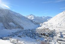 Andermatt Winter / Lifestyle and activities – The idyllic mountain village in the Urseren Valley offers high-quality living and a comprehensive sports and leisure programme.