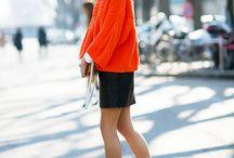 Skirt mini and sweater/sweatshirt
