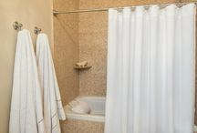 Accessories / We carry our passion to every inch of the bathroom, harmonizing the balance between innovation and luxury quality. Our range of specially designed shower curtains is woven from 100% premium quality Turkish cotton and designed impeccably to provide a natural, sophisticated touch to your bathroom.