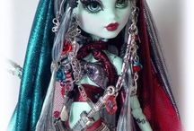 ♡Ever After High/Monster High Dolls♡