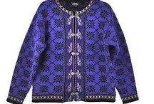 Swetry dla sylwetki A / fasony swetrów dla sylwetki A. Długość maksymalnie do górnej granicy kości biodrowej!