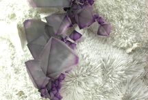 Krystaller og diamanter og flote sten