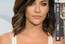 Shoulder Length Wedding Hair / Shoulder length wedding hair is really the most common look, but that doesn't mean your do has to be plain! These shoulder length wedding hair examples below are sure to rock your world! Enjoy the shoulder length wedding hair board below!