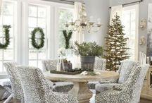 pyöreä pöytä joulunaikaa