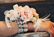 Weddings & proms: corsages & boutonnieres