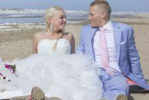 De leukste trouwfoto's op het strand! / http://www.trouwgeheimen.nl/trouwfotos-strand/