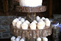 Rustic wedding theme / Get back to nature with this rustic themed board!