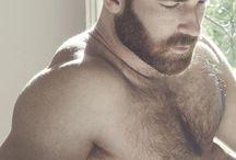 Hot bears / Fur, fur and more fur.