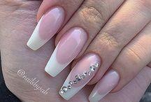 french nails elegant