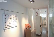 iMAC MEMORY Ordenadores y dispositivos Apple / El pasado día 16 de Diciembre de 2011 inauguramos en nuestro espacio (Calle Ángel Rebollo 56-58, bajo) una exposición histórica sobre productos y dispositivos Apple, y con ello un pequeño homenaje a Steve Jobs.