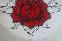 розы в вышивке