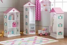 Wooden dolls houses / A doll's house is quite literally the home of traditional role play - and our wooden dolls' houses are the prettiest there is! Team them up with some of our lovely doll's house furniture and a doll's house family.