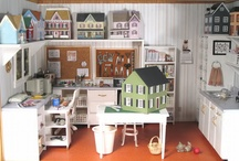 Dollhouses and Miniatures  / by Athena1955