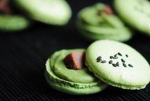 Gourmandises & Thé / Le thé se boit, mais peut aussi être associé dans des pâtisseries, des chocolats, ... Grands classiques et nouveautés : autant de gourmandises pour vos papilles !
