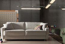 Milano Bedding / http://soluzionidicasa.ru/factories/milano-bedding/ Итальянский бренд, был основан в 1985 году в Брианце. Milano Bedding специализируется на производстве функциональных диванов-кроватей и кресел. Большинство моделей рассчитаны на ежедневное использование, поэтому обеспечена возможность удобной и быстрой их трансформации: без снятия подушек или путем одного нажатия на спинку. Разложенный диван становится полноценной кроватью.
