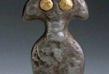 arch figurine