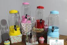 Locações / A empresa Pauliane Pacholek é especializadas em Locações de objetos para festas e flores para Decoração