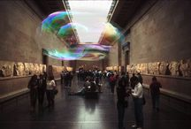 Bubble / Bubble is a site-specific installation presenting a free-floating bubble of around 2 – 5 meters in diameter, which will be hanging in the air above the spectators, displaying a pattern of fluctuating rainbow colours known from regular soap bubbles.