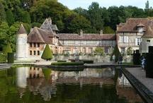 Les Manoirs & Chateaux Normands / Découvrez quelques chateaux et Manoirs Normands à ne pas louper pendant vos vacances ou weekends en Normandie dans les Gîtes du Domaine du Martinaa